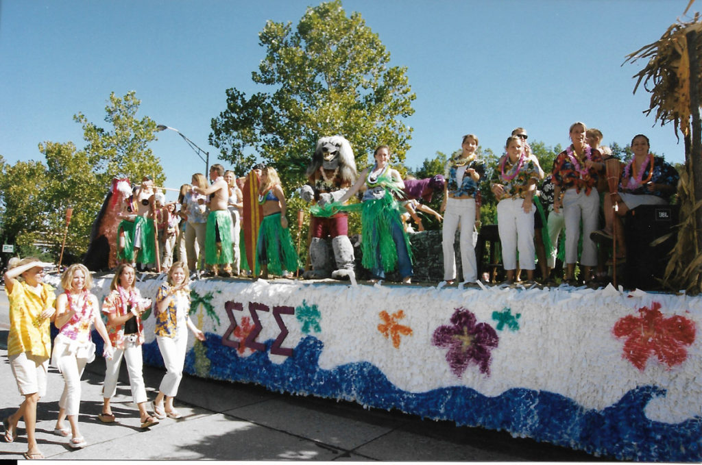 Picture of Homecoming parade 2002