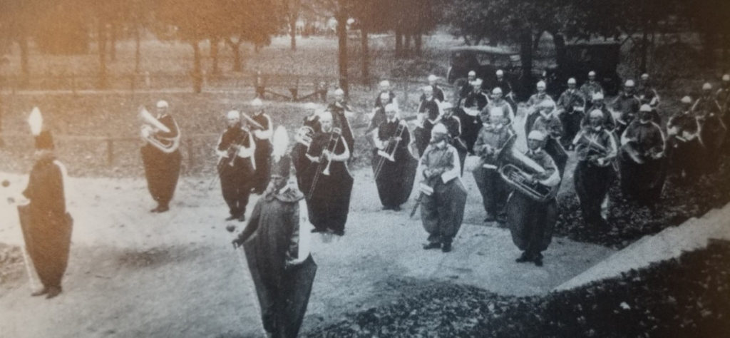 The Southern Illinois Normal University Pep Band in 1922.
