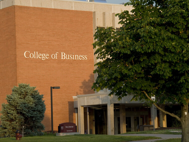 College of Business and Analytics recognizes five alumni