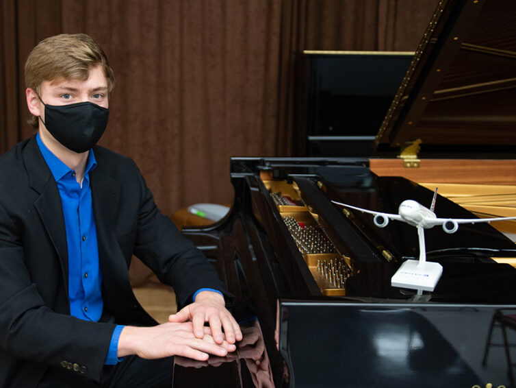 At SIU, a pianist and pilot pursues his twin passions