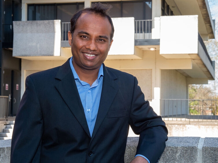 Wireless communications researcher Baduge receives Early Career Excellence Award